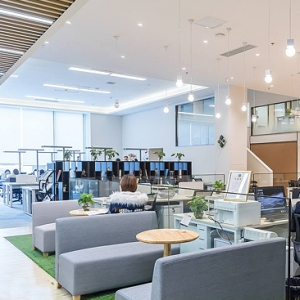 Do you know which types of open office furniture solutions are available?