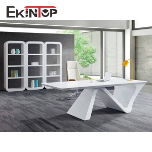 What are the advantages of modern writing desk customization