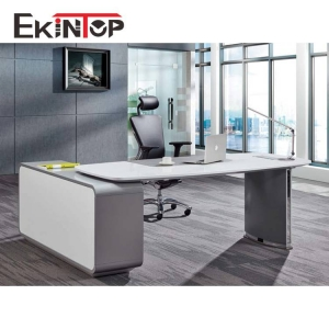 What are the main points of choosing a comfortable desk chair